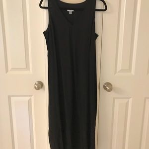 Old Navy Black v-neck summer dress 👗☀️